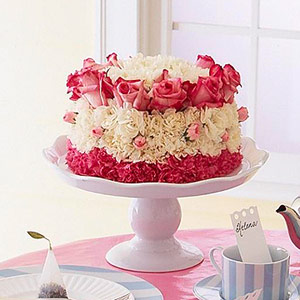 Flower Cake Centerpiece from Better Homes and Gardens